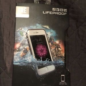 White iPhone 6s Plus lifeproof fre case
